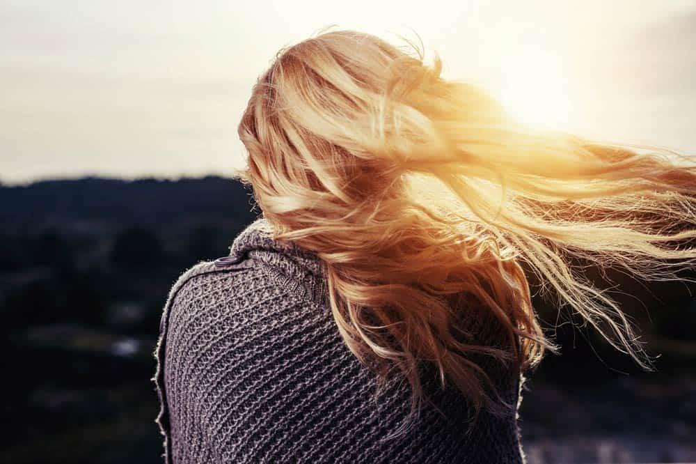 La vitamine E et vos cheveux : une histoire d'amour